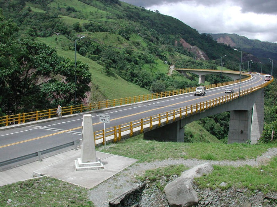Colombia launches its new multimodal infrastructure program, 5G.